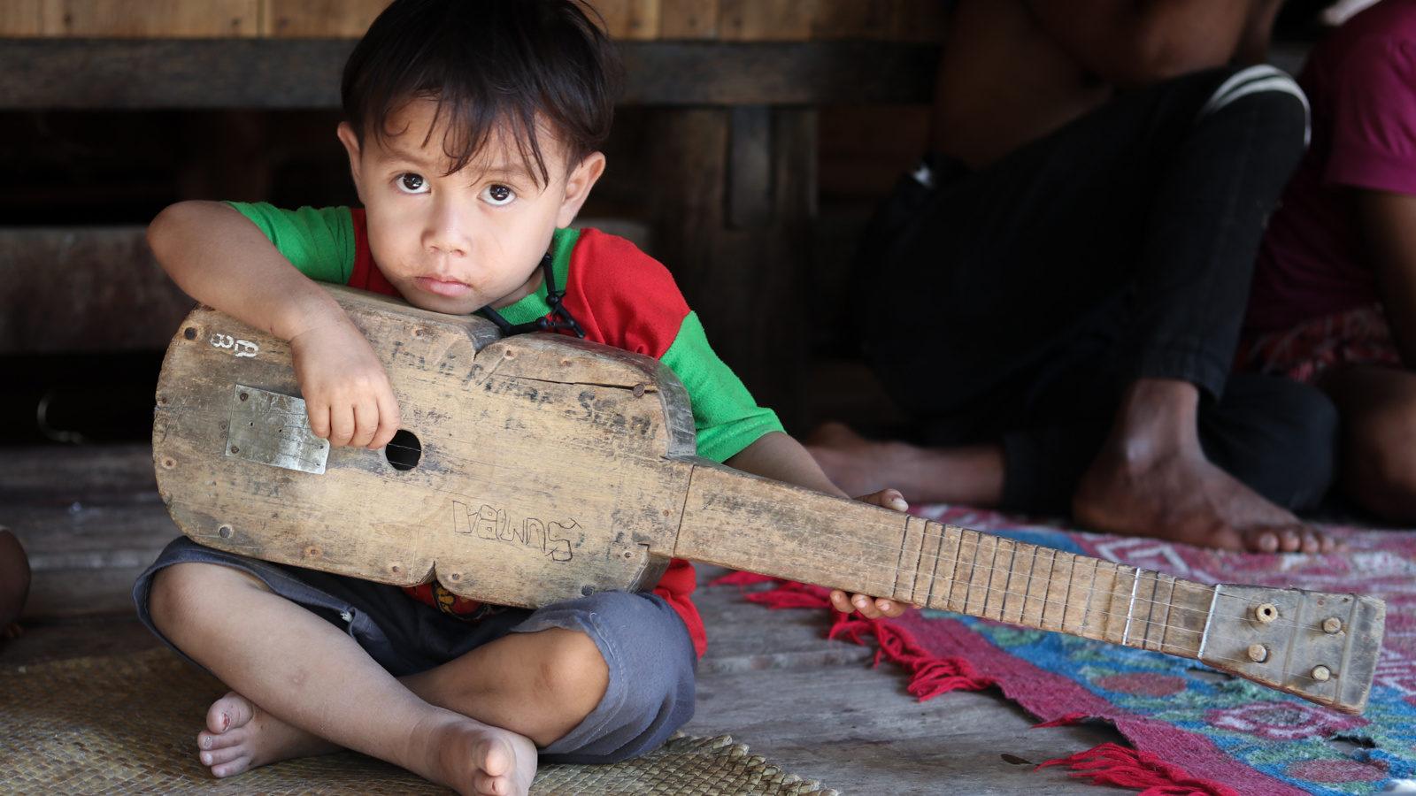 Joseph Lamont Marapu song instrument
